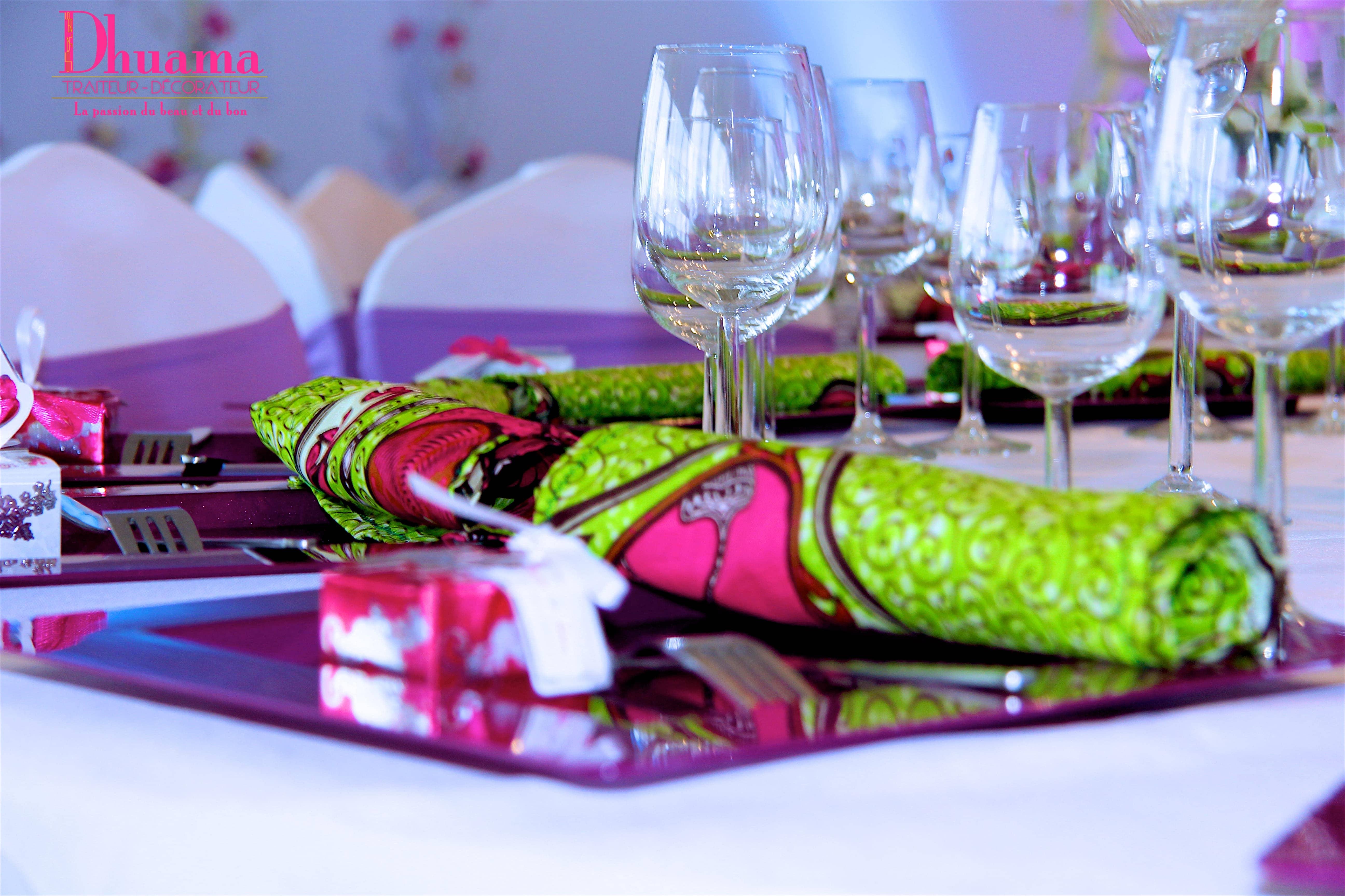 violet vert et pagne dhuama. Black Bedroom Furniture Sets. Home Design Ideas