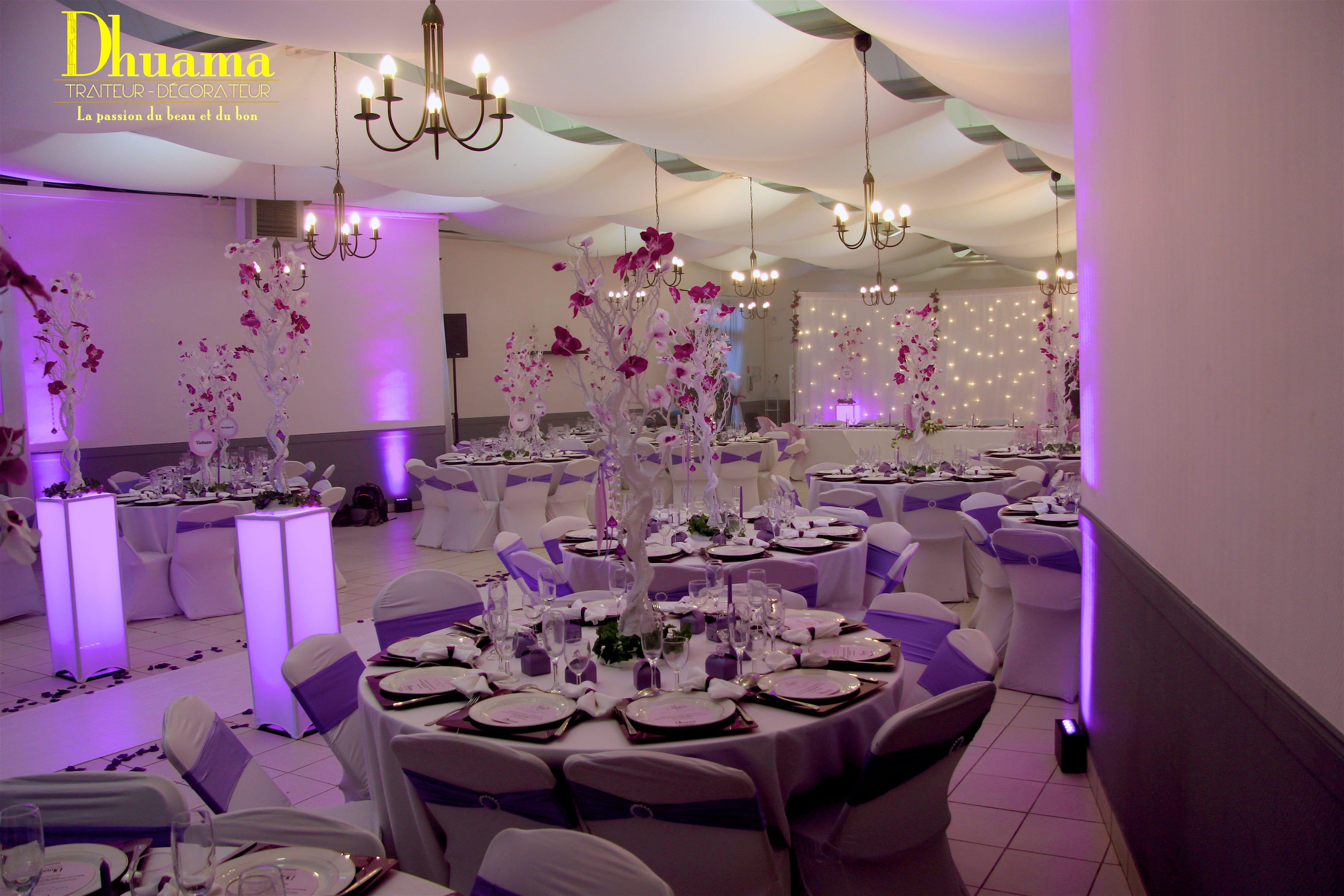 d coration mariage violet dhuama. Black Bedroom Furniture Sets. Home Design Ideas